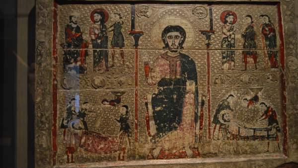 Frontal de Sant Vicenç de Tresserra expuesto en el Museu de Lleida