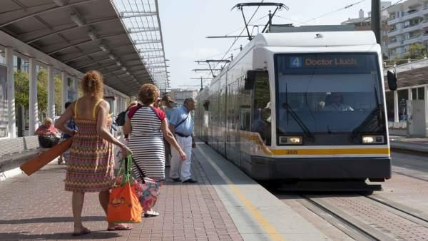 Tranvía de la Línea 4 en imagen de archivo