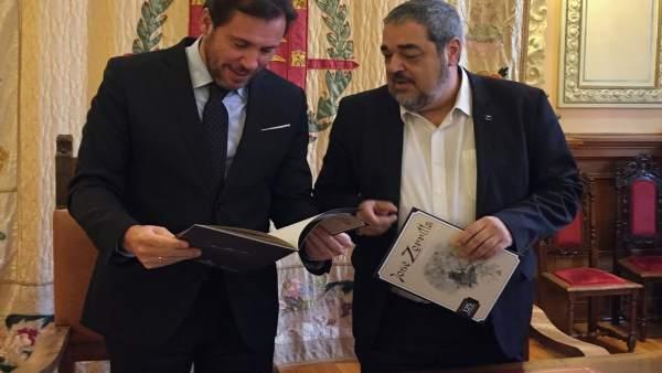 El alcalde de Valladolid junto a Carlos Aganzo