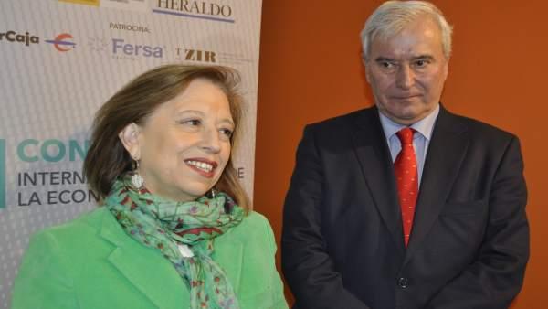 La secretaria de Estado de Comercio, Marisa Poncela, y Gustavo Alcalde.