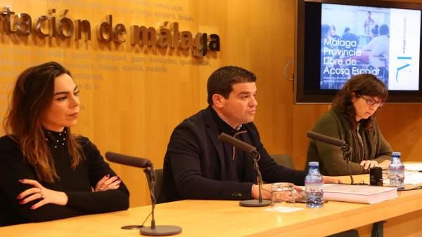 Pardo y Ortega presentan informa sobre acoso escolar