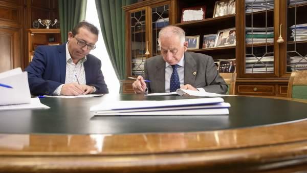 Gabriel Amat ya ha firmado y entregado el proyecto de obras en Tíjola.