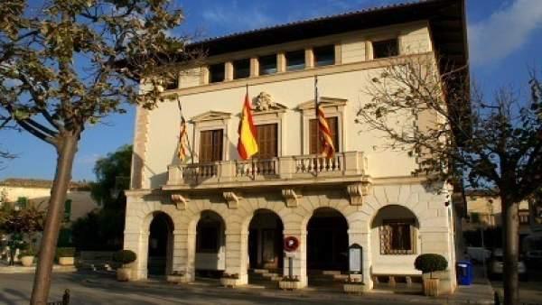 Fachada del Ayuntamiento de Muro