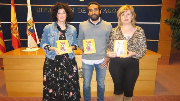 García Juango, Nso y la técnico del área de Participación han presentado la guía