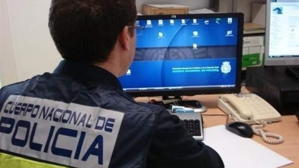 Policía, ordenador