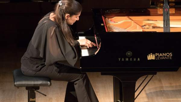 La pianista Fatima Dzusova
