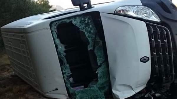 Rescatat l'ocupant d'una furgoneta després de col·lisionar amb un furgó de seguretat a Benissa (Alacant)