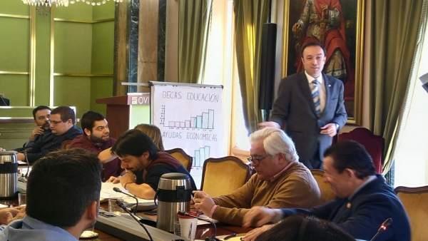 Pleno del Ayuntamiento de Oviedo. Aprobación de prsupuestos 2018