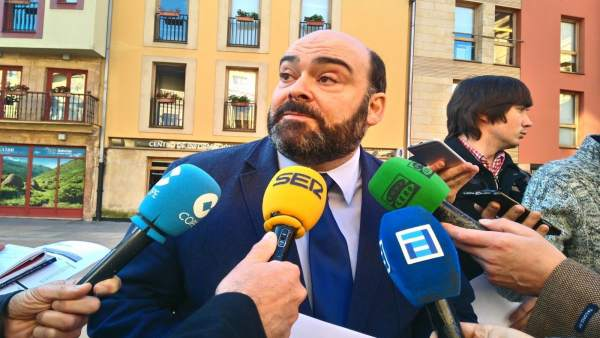 Agustín Iglesias Caunedo, presidente del PP de Oviedo