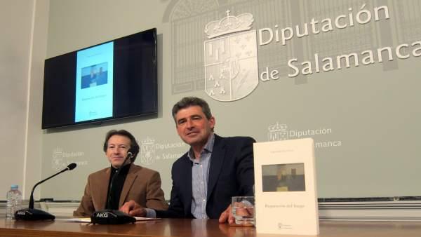 Fernando Gil Villa y Julián Barrera en la presentación del libro