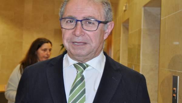 El consejero de Hacienda de Aragón, Fernando Gimeno.