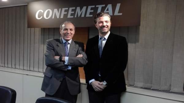 Hernández Zapata, primero por la izq, junto al nuevo presidente de Confemetal