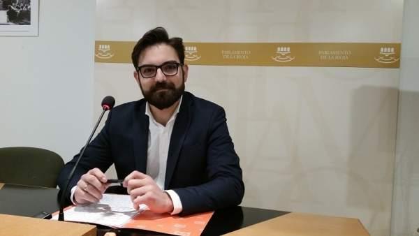 El portavoz del Grupo Parlamentario, Diego Ubis