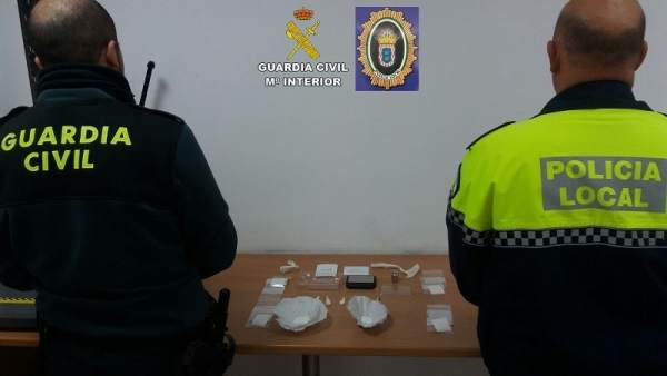 Remitiendo Np Opc Huelva 'La Guardia Civil Y La Policía Local De Valverde Del Ca