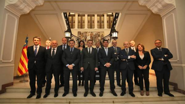 César Sánchez con los responsables de las entidades bancarias