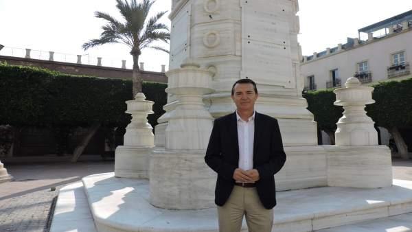 Juan Carlos Pérez Navas frente al Pingurucho