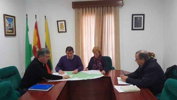El delegado de Medio Ambiente de la Junta, José Antonio Cortés, en Jabugo.