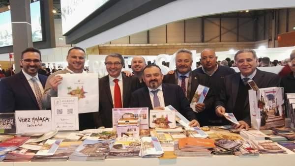 Francisco Salado PP alcalde de Rincón con empresarios Fitur 2018 madrid