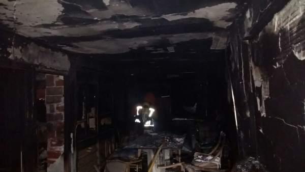 Incendio en un edificio en Quart de Poblet