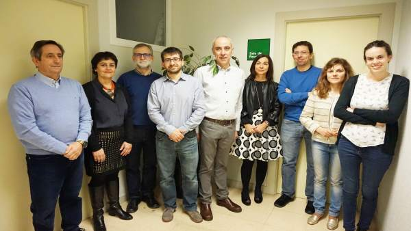 Integrantes del grupo Crochane, autores del estudio