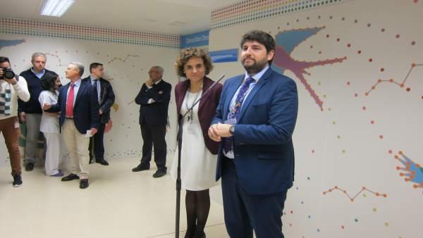 López Miras junto a la ministra de Sanidad en La Arrixaca