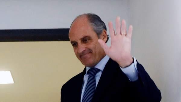 Un jutjat investiga a Camps per contractes irregulars de la Fundació que va organitzar la visita del papa a València