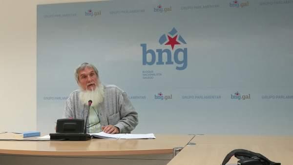 El diputado del BNG Xosé Luís Rivas 'Mini' en rueda de prensa