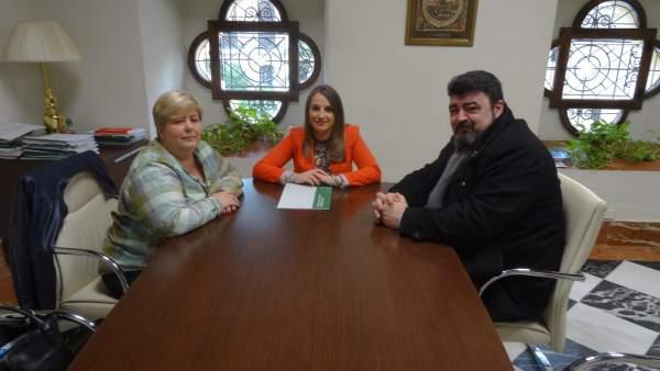 Ruiz (centro), en su encuentro con UGT