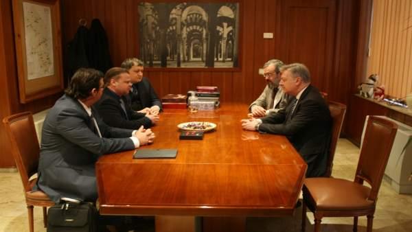 El subdelegado del Gobierno con representantes de Kraspharma