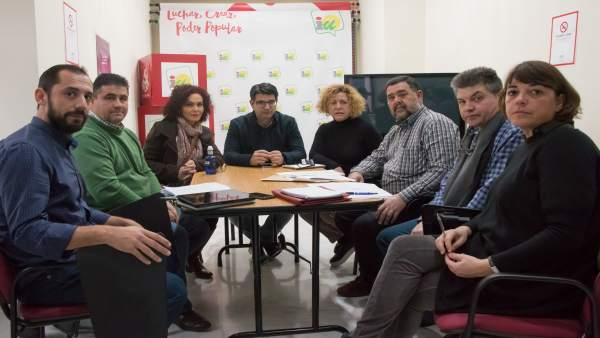 Reunión de la dirección de IU-Córdoba con los artesanos