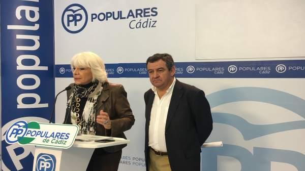 Teófila Martínez en rueda de prensa