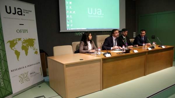 Inauguración del encuentro internacional sobre el sector oleícola.