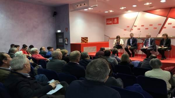El PSOE Aragón ha celebrado esta tarde una asamblea abierta sobre el ICA