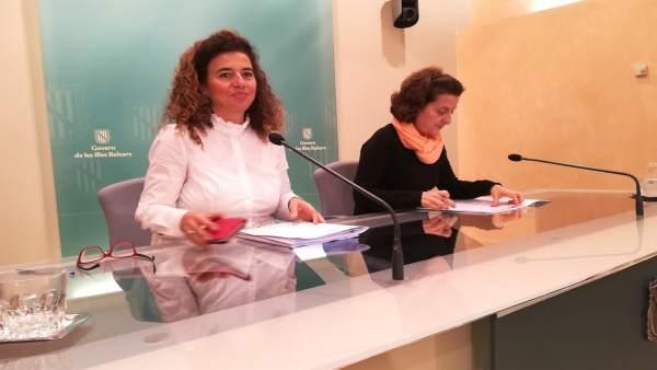 Pilar Costa Y Fina Santiago