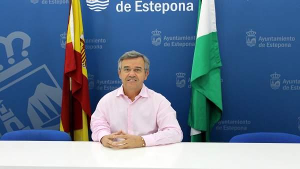 Alcalde de Estepona José María García Urbano PP Málaga regidor