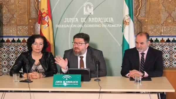 Sánchez Haro , en rueda de prensa en Almería