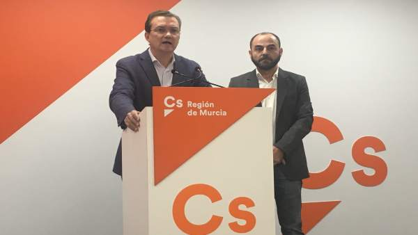 Los diputados Miguel Garaulet y José Luis Martínez
