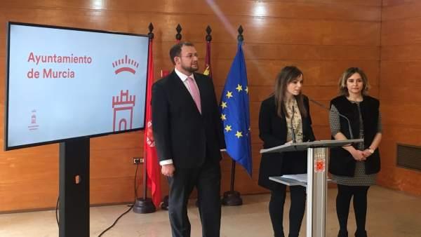 Rebeca Pérez explica acuerdos de la Junta de Gobierno