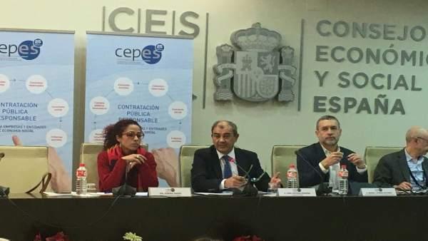 Aurora Jhardi en una conferencia en Madrid