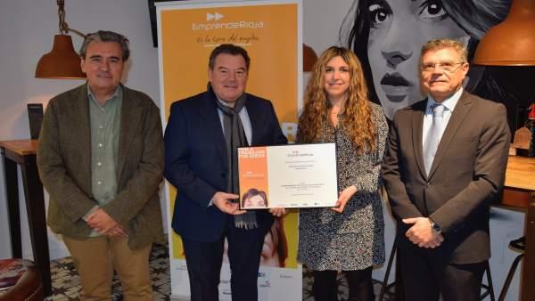 EmprendeRioja entrega diploma a Susana Palacio