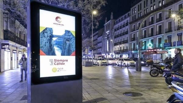 Campaña siempre cálida fitur madrid totem turismo costa del sol