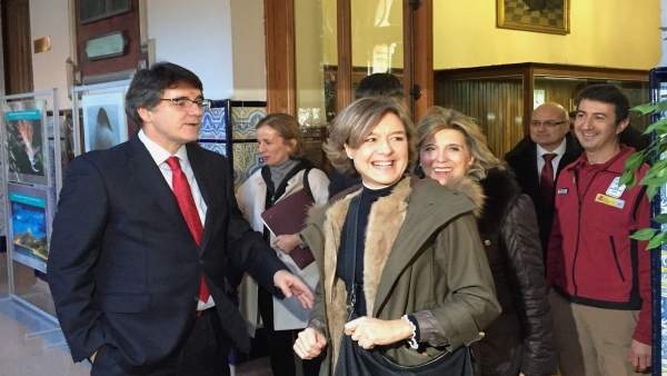 La ministra García Tejerina, en el colegio San José de Valladolid