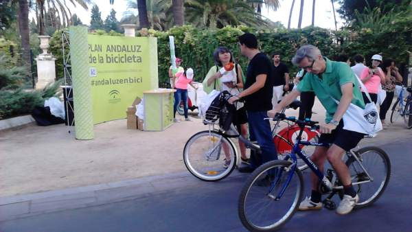 Ciclistas por Sevilla.