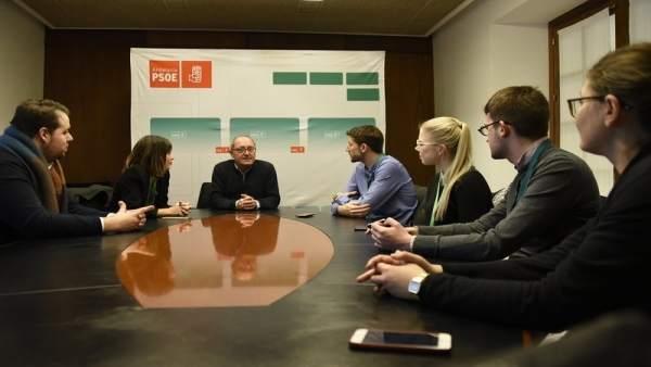Reunión de Juan Cornejo con Juventudes Socialistas Europeos