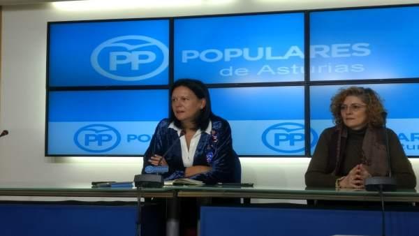 Susana López Ares, a la izquierda.