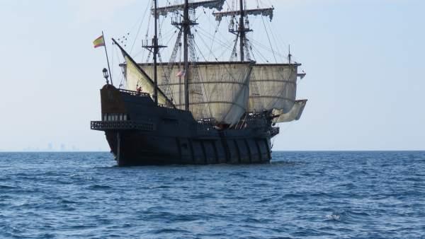 La embarcación, a su llegada a costas alicantinas