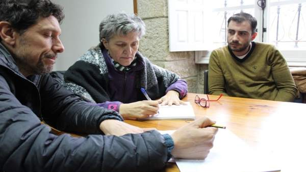 La eurodiputada Lidia Senra se reúne con miembros de Pladever