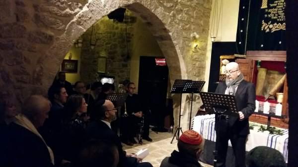 Nota De La Junta, Foto Y Audio Cobo Homenaje Víctimas Holocausto Úbeda
