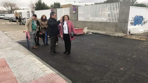 Actuación en los accesos del CEIP 'Carlos V' de Torreblanca, en Sevilla