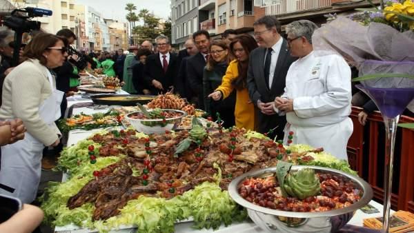 El 'president' visita la Fiesta de la Alcachofa